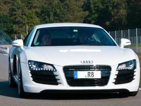 1 Tag Audi R8 selber fahren in Hamburg
