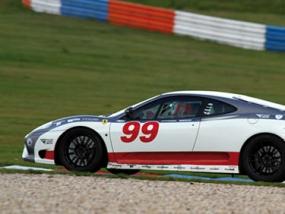 10 Runden Ferrari F360 selber fahren auf dem Eurospeedway - Erlebnis Geschenke