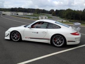 8 Runden Porsche GT3 selber fahren auf dem Ascari - Erlebnis Geschenke