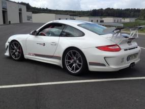 4 Runden Renntaxi Porsche GT3 auf dem Ascari - Erlebnis Geschenke