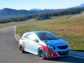 6 Runden Opel Corsa OPC selber fahren auf dem Ascari
