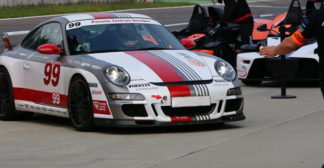 porsche gt3 fahren auf dem eurospeedway lausitz. Black Bedroom Furniture Sets. Home Design Ideas