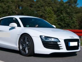 60 Minuten Audi R8 selber fahren in Stuttgart - Erlebnis Geschenke
