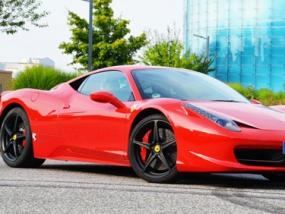 8 Runden Ferrari 458 Italia selber fahren auf dem Spreewaldring - Erlebnis Geschenke
