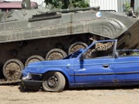 Carcrashing im Bergepanzer T55 in Grimmen, Raum Stralsund - Erlebnis Geschenke