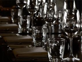 Dinner in the Dark München - Erlebnis Geschenke