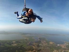 Fallschirm- Tandemsprung in Zweedorf, Raum Schwerin - Erlebnis Geschenke