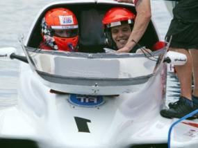 Formel 1 Powerboat selber fahren auf der Ostsee in Neustadt