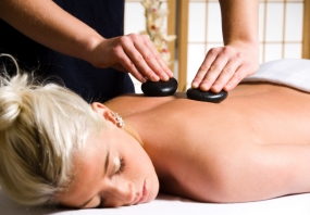 Hot Stone Massage in Illertissen, Raum Ulm in Bayern