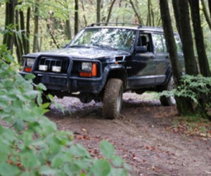 assets/images/activities/jeep-offroad-selber-fahren-am-nuerburgring-rheinland-pfalz/6.jpg