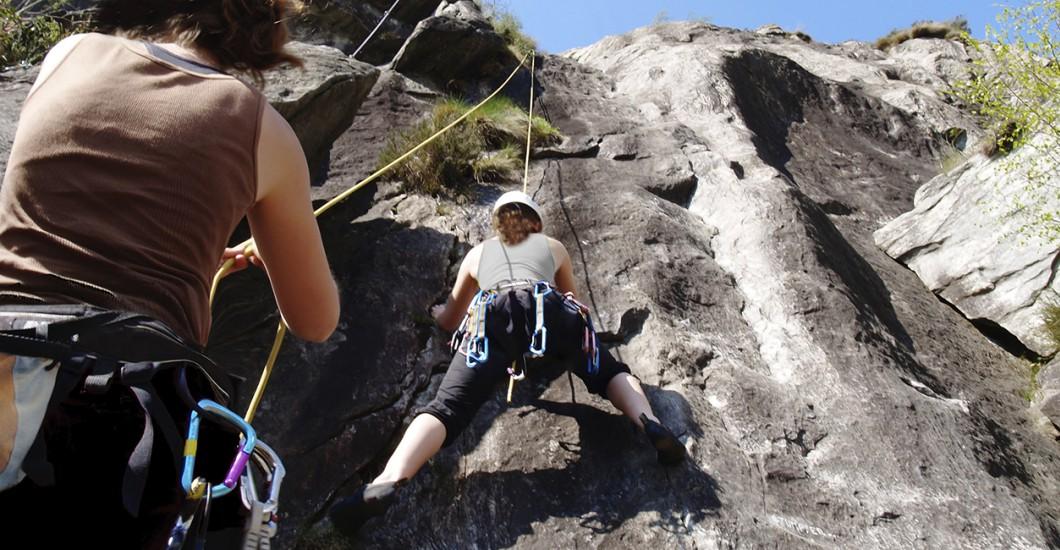 Kletterausrüstung Bielefeld : Kletterkurs hauenstein bietet klettererlebnisse am felsen