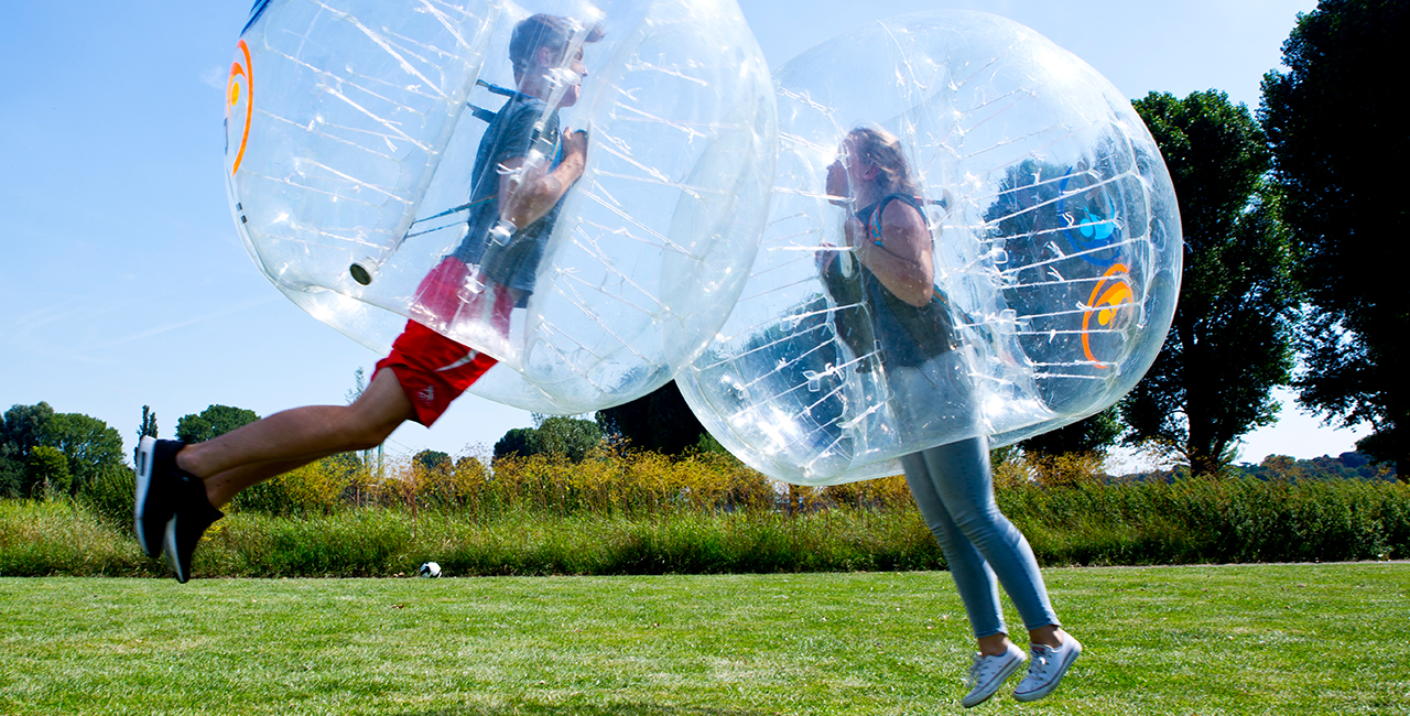 60 Min. Outdoor Bubble Soccer in Köln