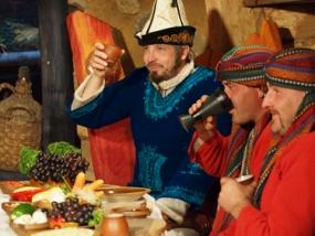 Kultur Dinner Krönum-Theater in Neißeaue, Raum Görlitz - Erlebnis Geschenke