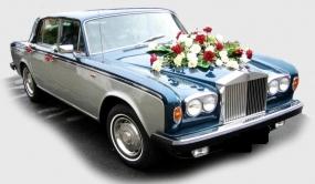 Oldtimer fahren Rolls Royce Silver Shadow mit Chauffeur