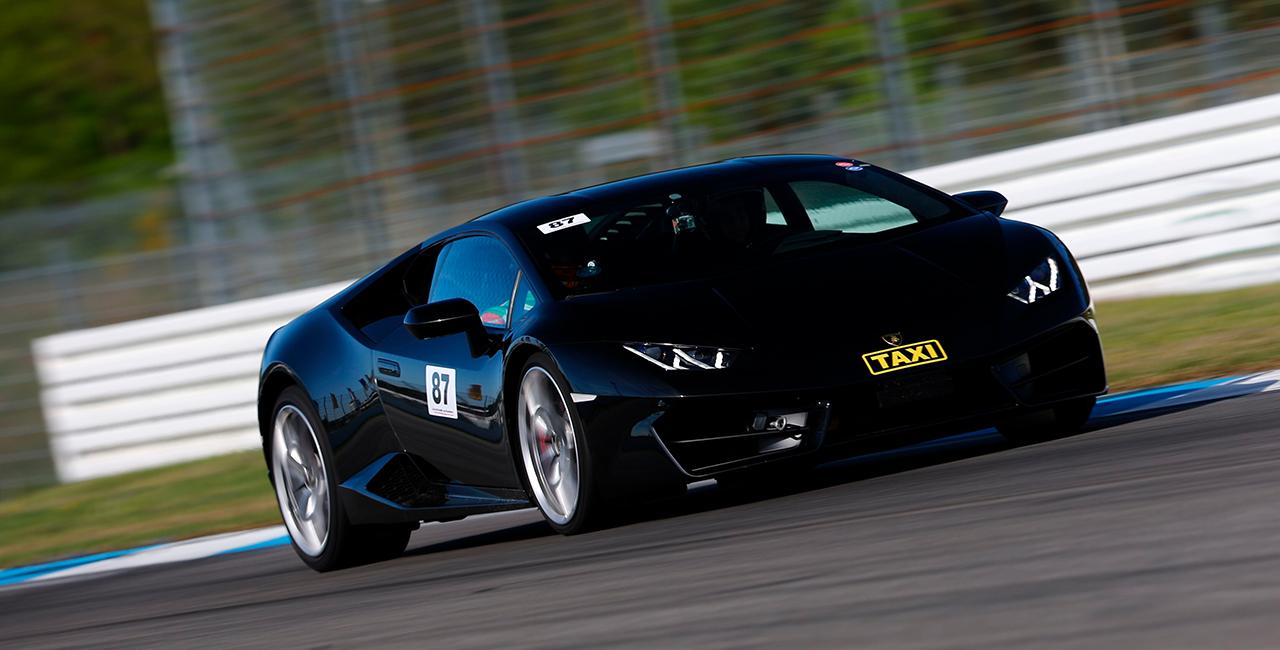 6 Runden Renntaxi Lamborghini Huracan auf dem Spreewaldring