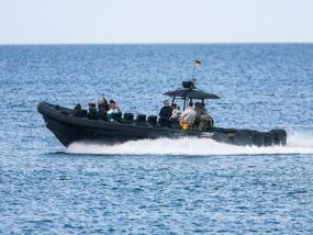 Speedboot fahren 1000 PS auf der Ostsee in Neustadt
