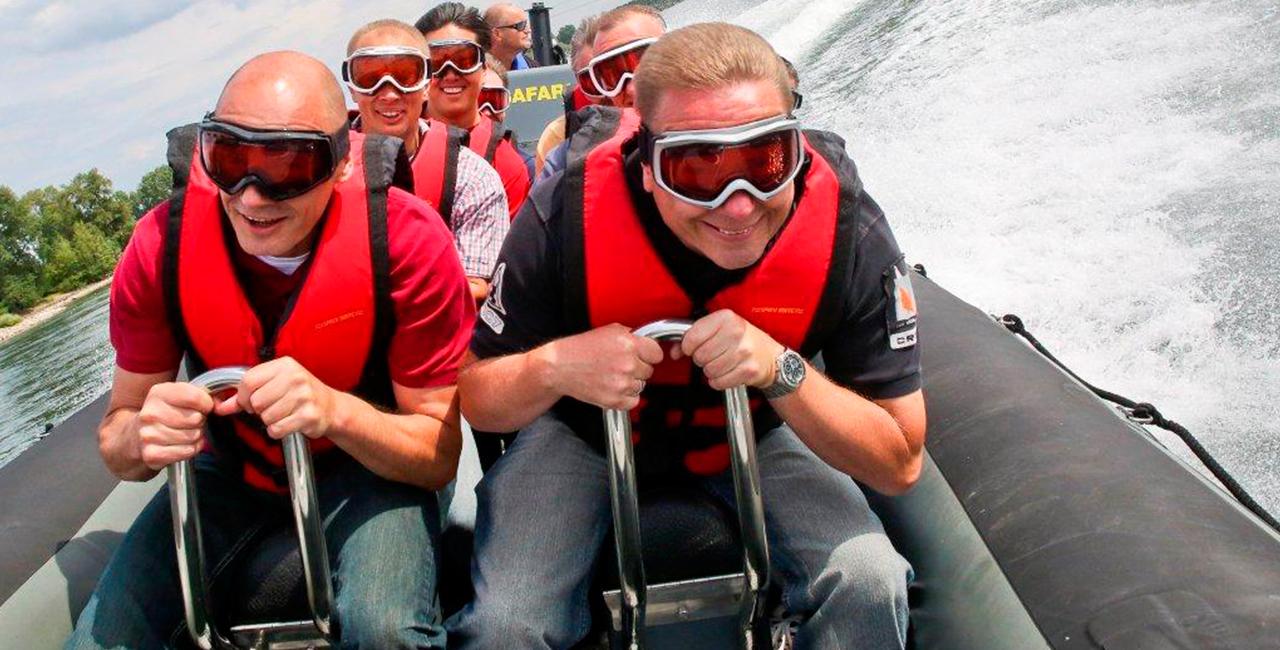 Powerboot fahren