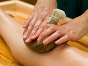 Thailändische Kräuterstempel Massage Ausbildung in Bielefeld - Erlebnis Geschenke