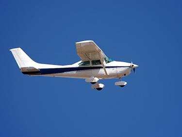 30 Min. Flugzeug Rundflug über Bitterfeld ab Halle-Oppin - Erlebnis Geschenke